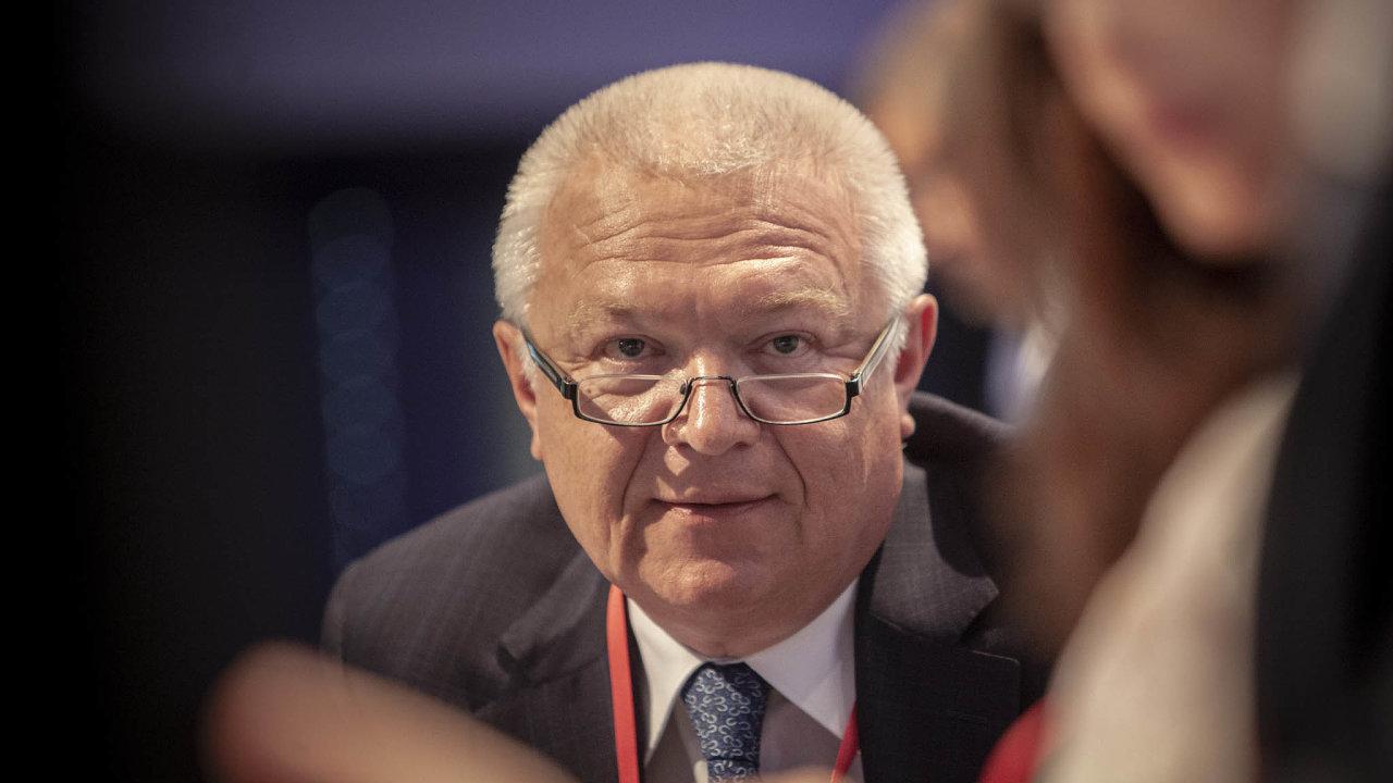 Jaroslav Faltýnek, který stojí včele poslanců ANO.
