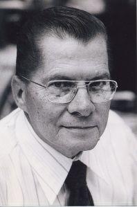 Vyn�lezce d�lkov�ho ovlada�e Eugene Polley