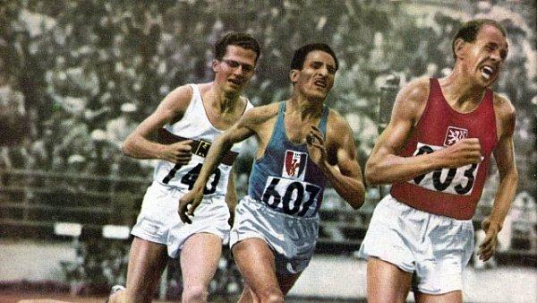 Emil Zátopek vyhrál v Helsinkách v roce 1952 závod století