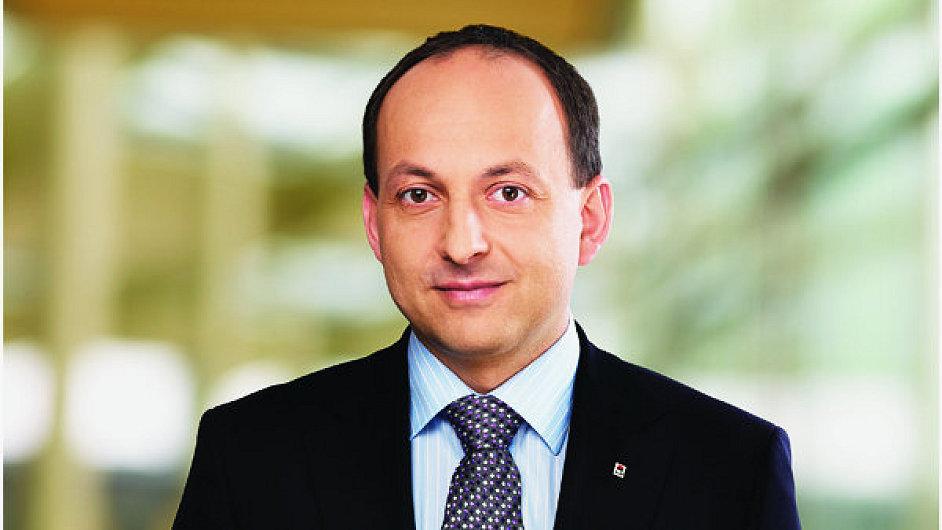 Pavel Jirák končí ve vedení Penzijního fondu KB.