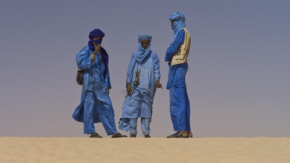 Tuaregové na loňském ročníku malijského Festival in the Desert, který letos proběhne v exilu.
