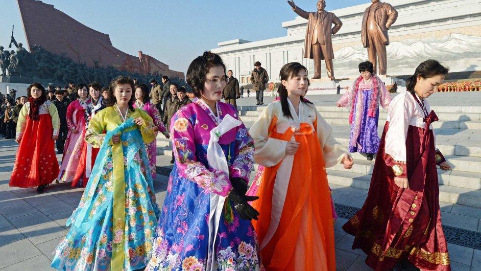 Severokorejci v ulicích Pchjongjangu