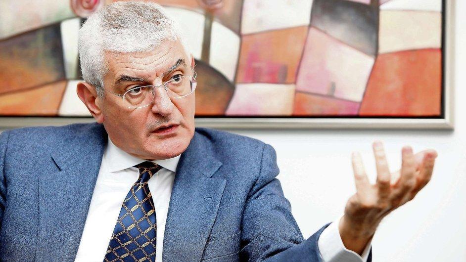 """Viceprezident koncernu General Electric, čtvrté největší firmy světa, a šéf její evropské větve Ferdinando """"Nani"""" Beccalli."""