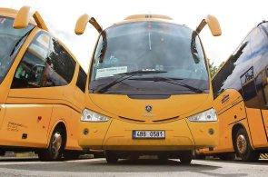 Autobusy společně s vlaky přepravily 13,4 milionu lidí, o pětinu více než v roce 2014.