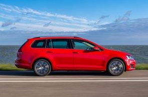 Mírné zdražování nových aut pokračuje i v dubnu. Zvýšily se například ceny VW Golf