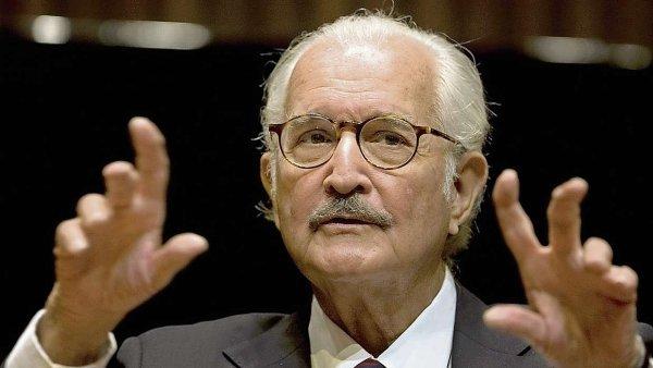Spisovatel Carlos Fuentes na oslav� sv�ch osmdes�t�ch narozenin v Mexiku roku 2008