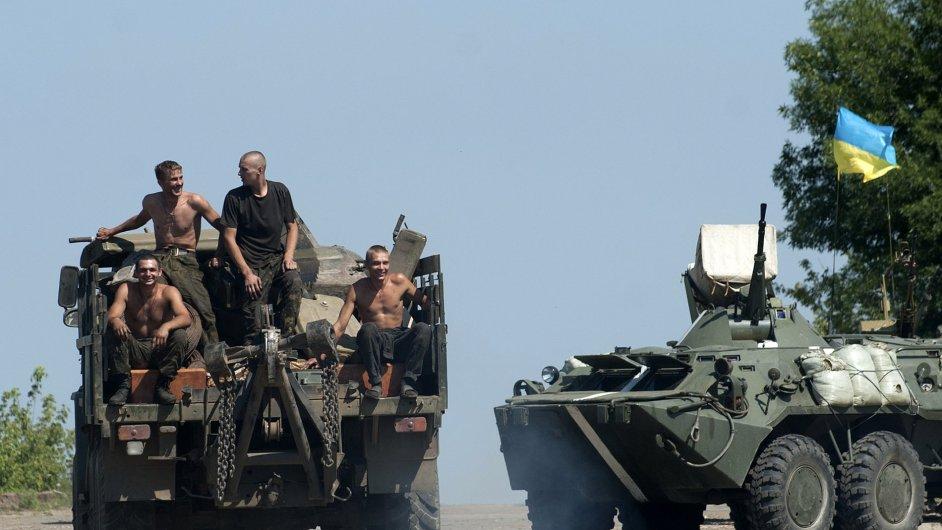 Ukrajinská armáda postupuje k Doněcku.