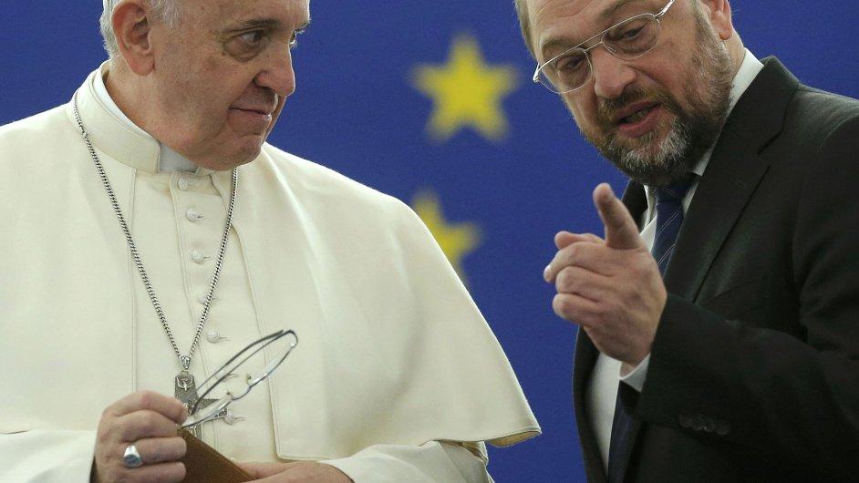 Papež František s prezidentem Evropského parlamentu Martinem Schulzem