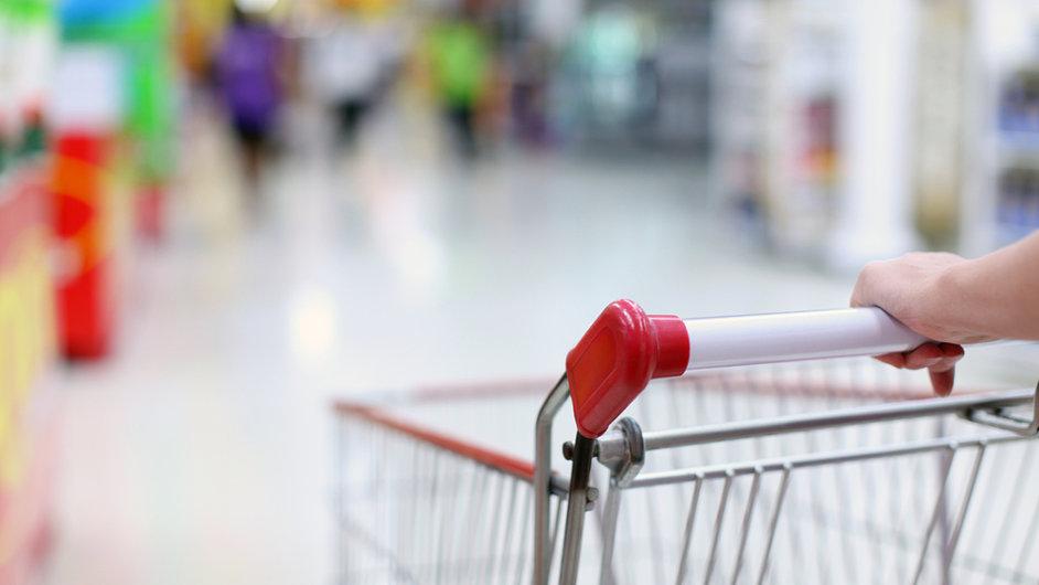 Češi v listopadu více utráceli. Vývoj tržeb ovlivnil i počet pracovních dní.