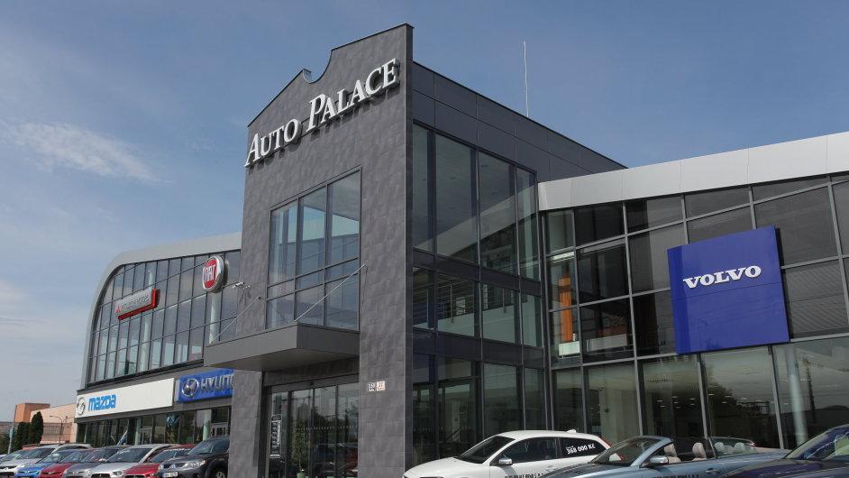 Automobilový dealer Auto Palace chce letos investovat především do modernizace stávajících prodejen (ilustrační foto).