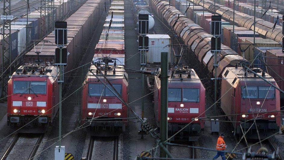 Do rekordní stávky v DB vstoupili i strojvůdci osobních vlaků - Ilustrační foto