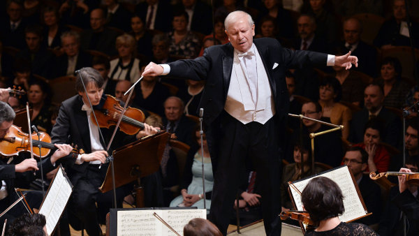 Snímek z koncertu České filharmonie ke 120. výročí.