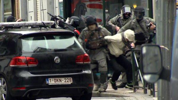 Salah Abdeslam (na snímku) se před policií skrýval dlouhé čtyři měsíce.