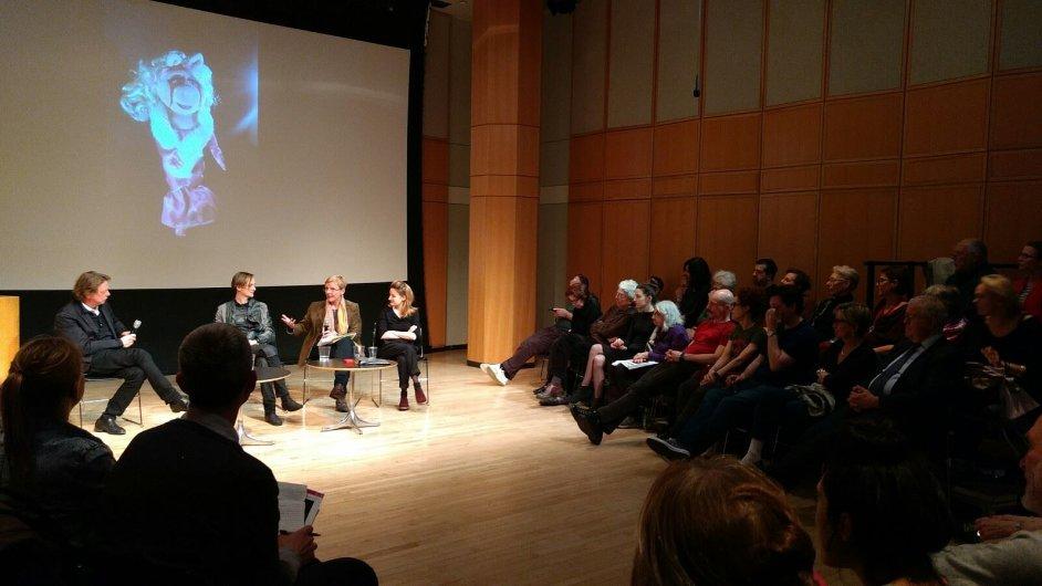 Čtení z nové hry Elfriede Jelinekové se uskutečnilo v newyorském Divadle Martina E. Segala.