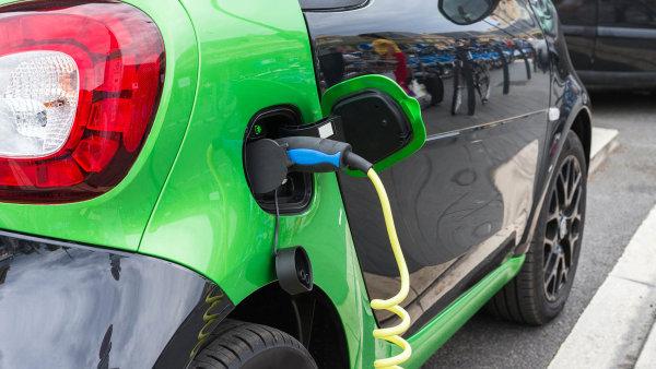 Pro elektromobily je teď v zemích EU k dispozici 200 tisíc stanic - Ilustrační foto.