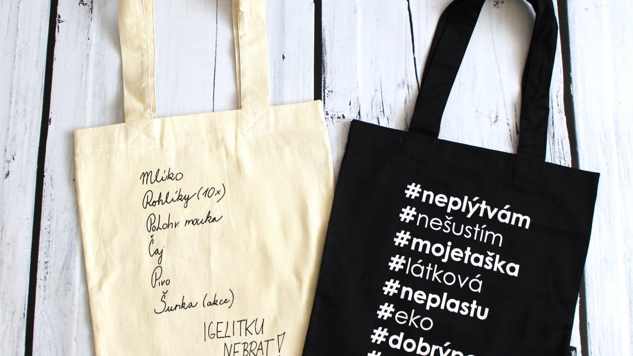 """""""Alternativní"""" tašky, které nabízí Ministerstvo životního prostředí."""