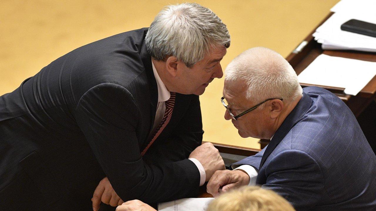 Vyjednávání: Předseda KSČM Vojtěch Filip a místopředseda ANO Jaroslav Faltýnek