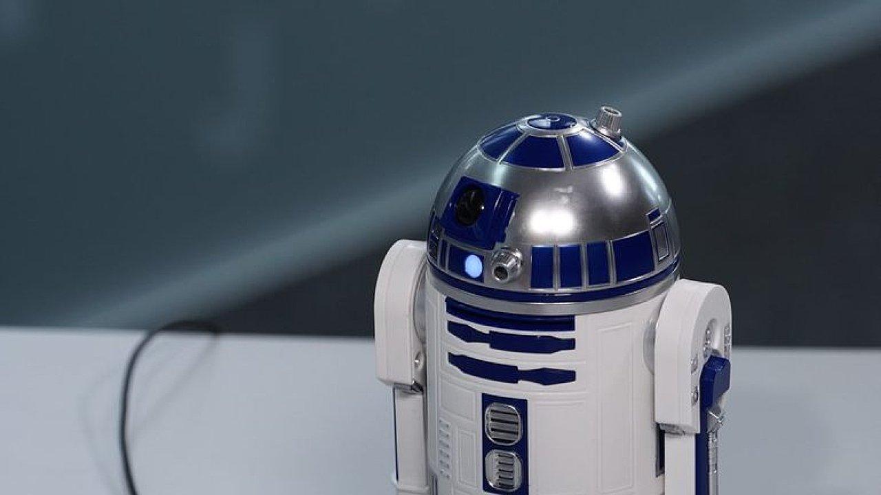 Proč pořád pípá? Veselovský vs. R2-D2. Unikátní rozhovor! Jen na DVTV!