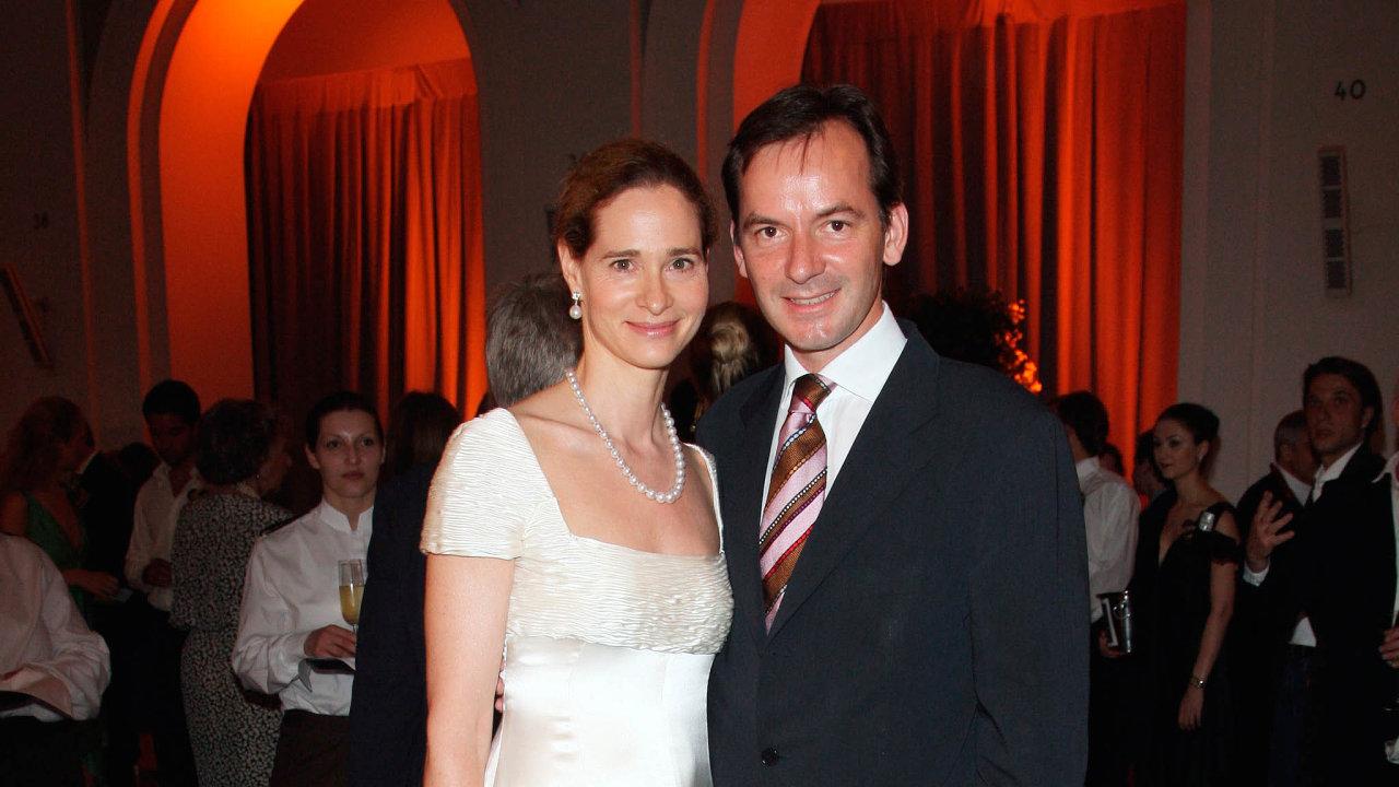 Nástupce z jiné dynastie: Andreas Jacobs (na snímku se svojí manželkou Natalií) pochází z rodiny, jež zbohatla hlavně díky kávovému byznysu. Tomu se však on už nevěnuje, točí miliony jako investor.