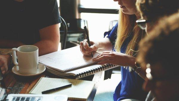 Vzdělávání, seminář, školení, ilustrační foto