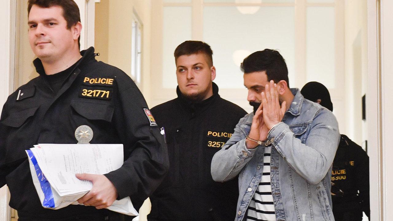 Soud poslal do vazby Iráčana Mahmúda viněného z terorismu