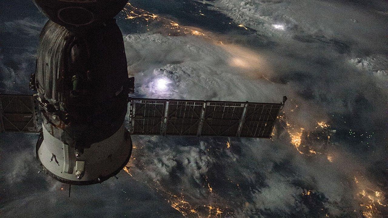 vesmír, ISS, Země