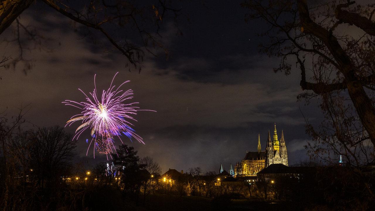 Novoroční ohňostroj v Praze, 1. ledna 2019.