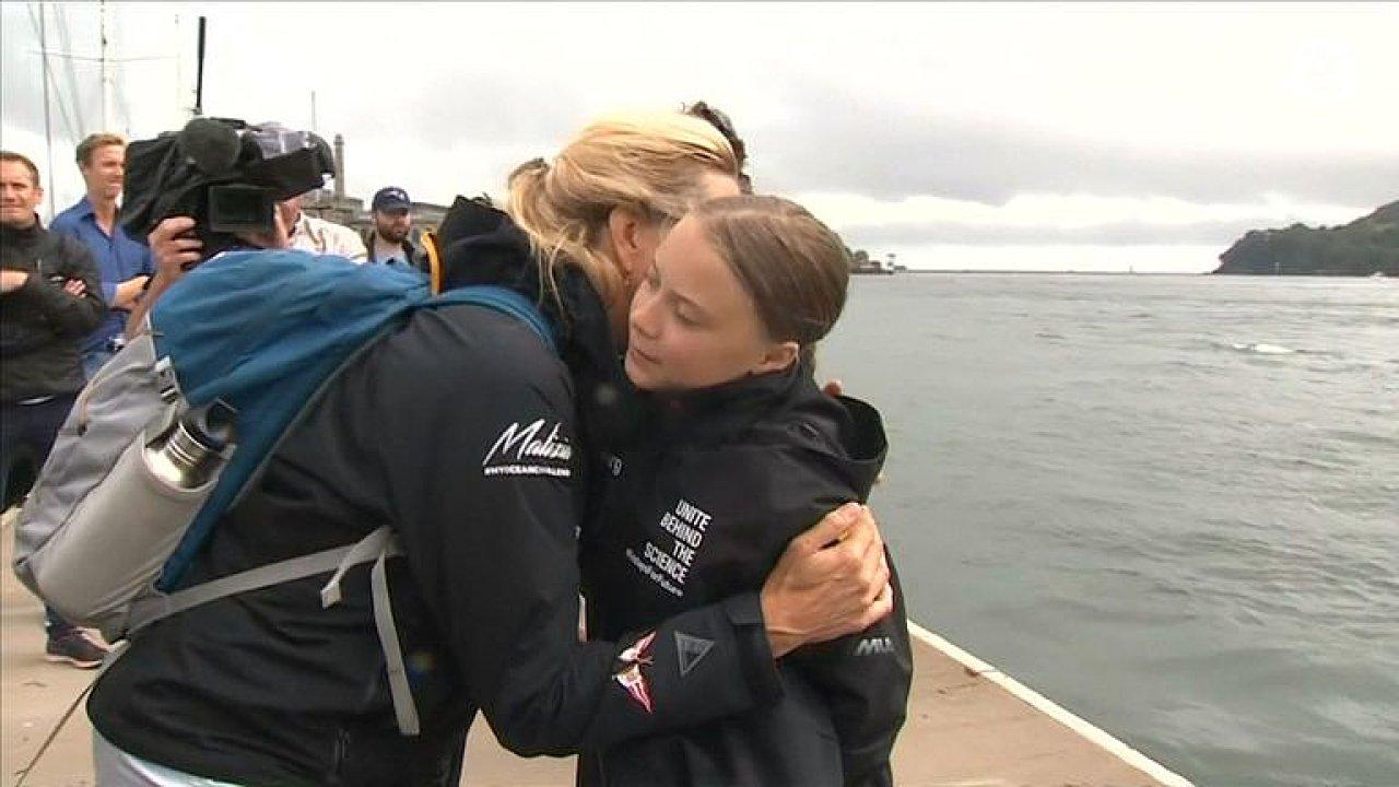 Aktivistka Thunbergová vyplula na závodní jachtě přes Atlantik. Nechce škodit planetě.