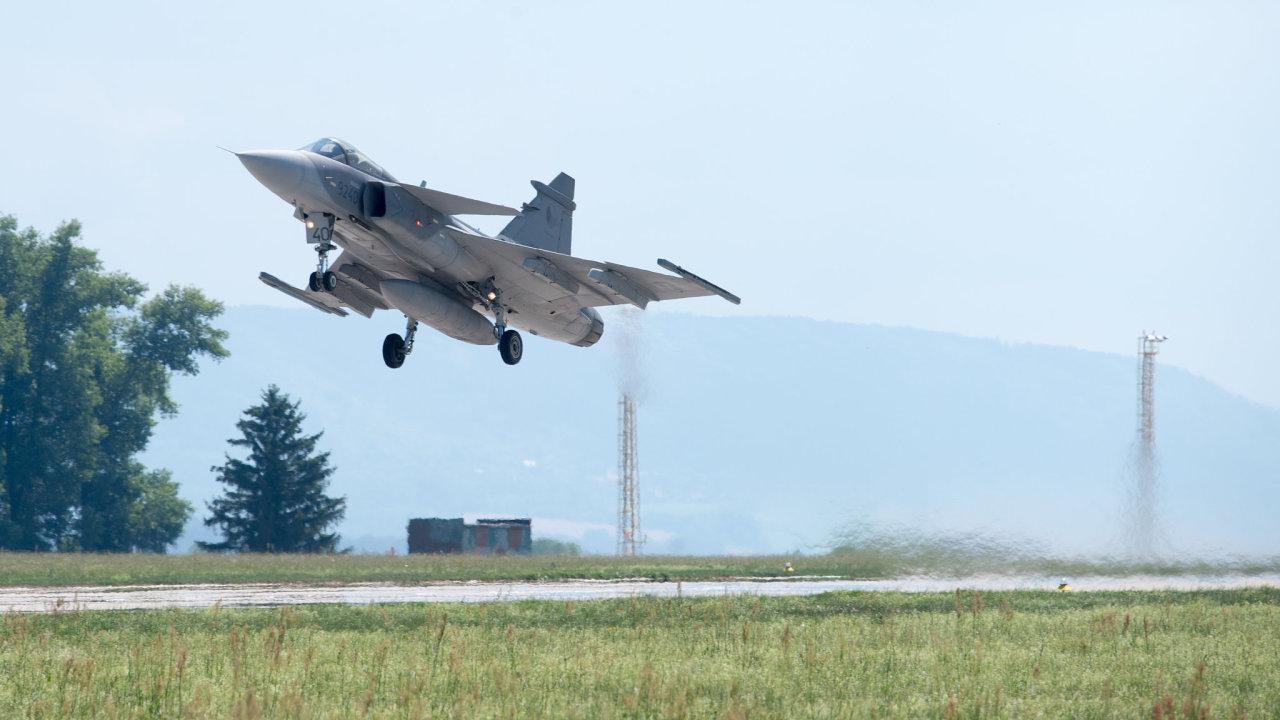 víceúčelový bojový letoun JAS-39 Gripen