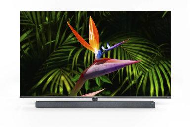 Televizor X10 pro osvit obrazovky používá 15 360 malých svítidel, ukterých lze nezávisle měnit jas v768 zónách.