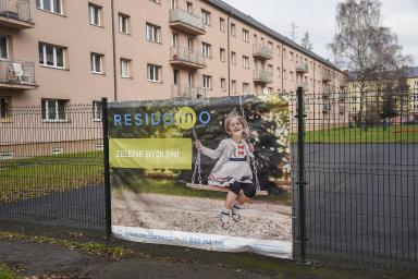 V roce 2017 nechal provozovatel nájemního bydlení Residomo obehnat své byty plotem - Ilustrační foto.