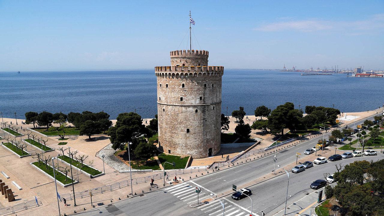 Prázdno podvěží: Přestože je Bílá věž vSoluni oblíbeným cílem turistů asymbolem města, letos hrozí, že kvůli koronaviru onávštěvníky přijde.