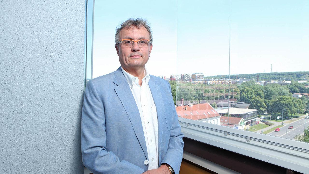 Vladimír Dlouhý, prezident Hospodářské komory ČR, je členem týmu NERV.