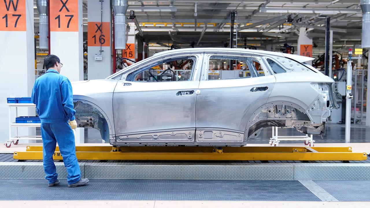 Pokud projde investiční dohoda mezi EU aČínou, získají evropští výrobci, například automobilky, snazší přístup načínský trh.