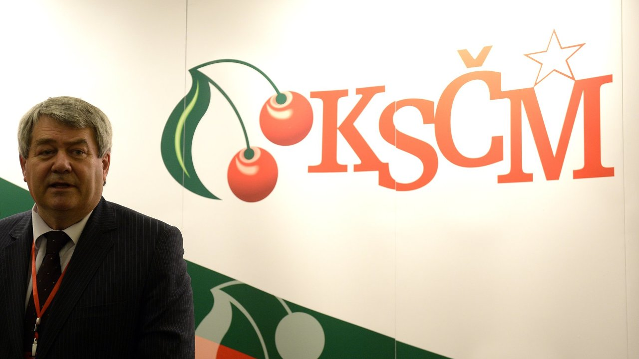 Předseda KSČM Vojtěch Filip získal 14. května na volebním sjezdu KSČM v Praze mandát k dalším čtyřem letům vedení strany. Přes kritiku