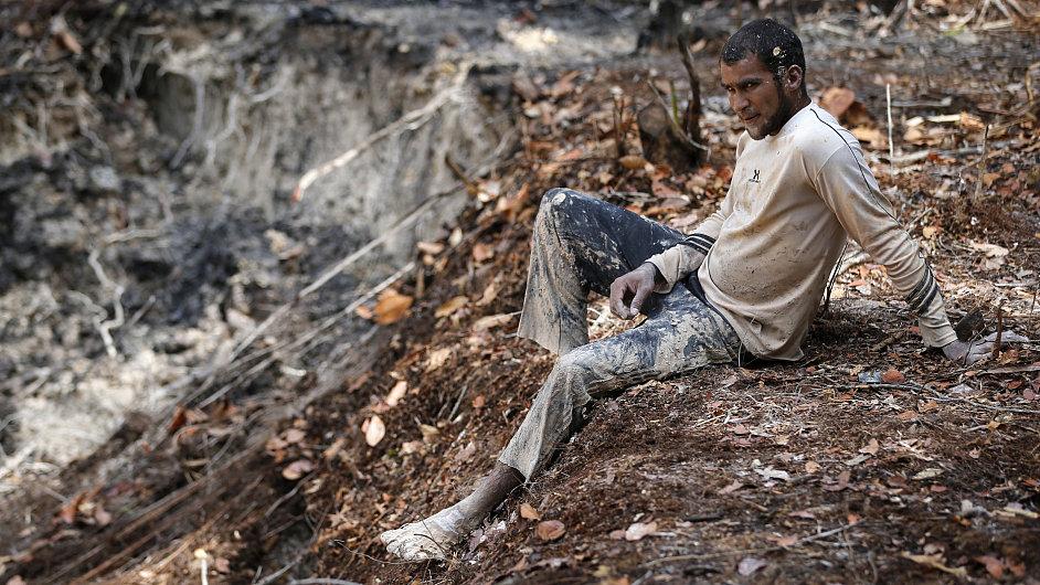Ilegální horníci ve Venezuele.