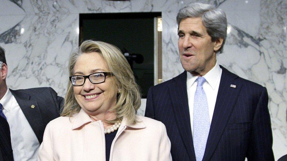 Hillary Clintonová a John Kerry