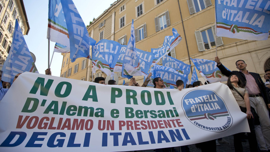 Protesty proti Romano Prodimu