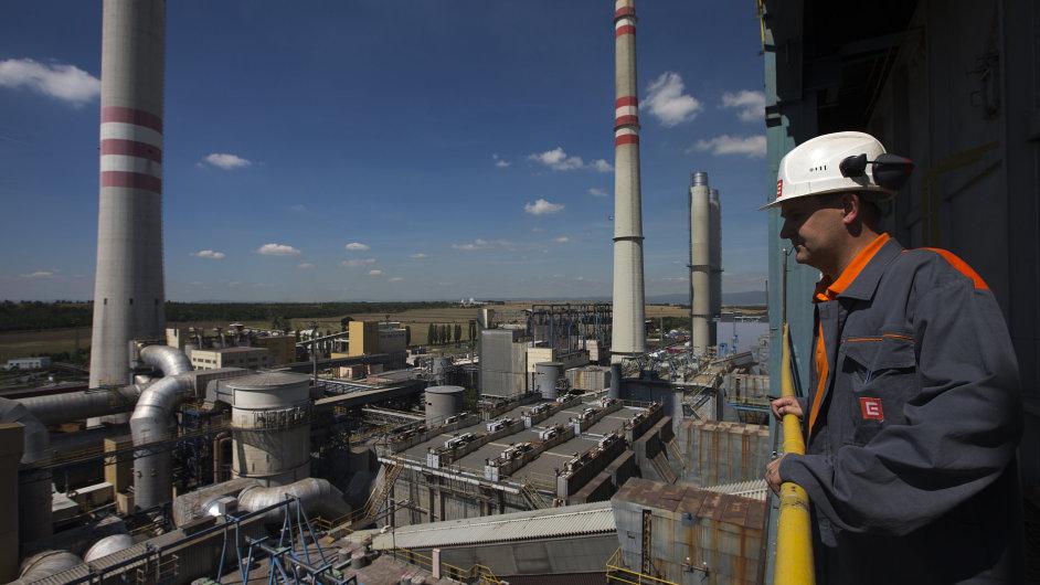 Ve druhém čtvrtletí chtějí nabrat nejvíce zaměstnanců výrobci v energetice. Na snímku Elektrárna Počerady.