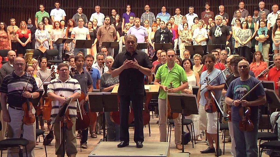 Zubin Mehta s Izraelskou filharmonií podpořili řecké hudebníky.