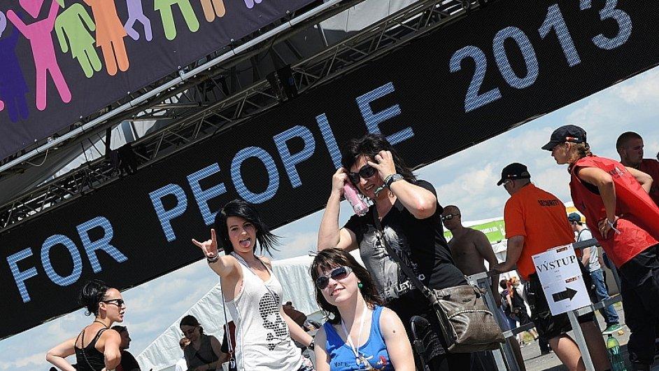 Handicapovaná dívka na loňském Rock for People
