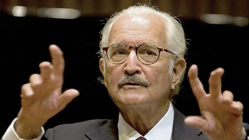 Spisovatel Carlos Fuentes na oslavě svých osmdesátých narozenin v Mexiku roku 2008