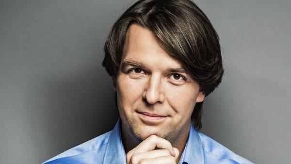 Dmitrij Dudnik, Senior Online Specialist LCG New Media.