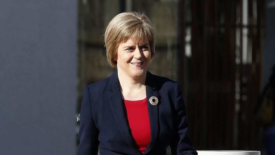Samostatnost a sociální témata: První skotská premiérka Nicola Sturgeonová chce prosadit nezávislost své země a potírat chudobu i nerovnost ve společnosti.