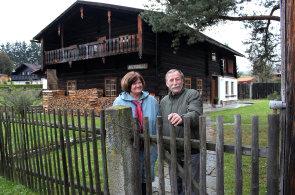 Iluzi Alp uprostřed české Šumavy vytváří domy, které voní po dřevu