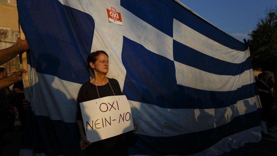 Euroskupina vyčká na výsledky řeckého referenda