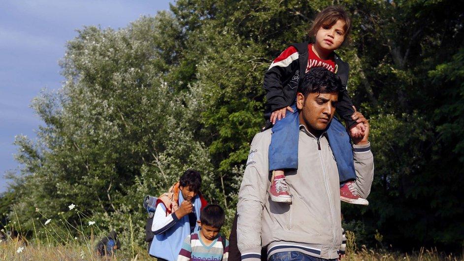 Uprchlíci z Afghánistánu na hranicích Srbska a Maďarska.