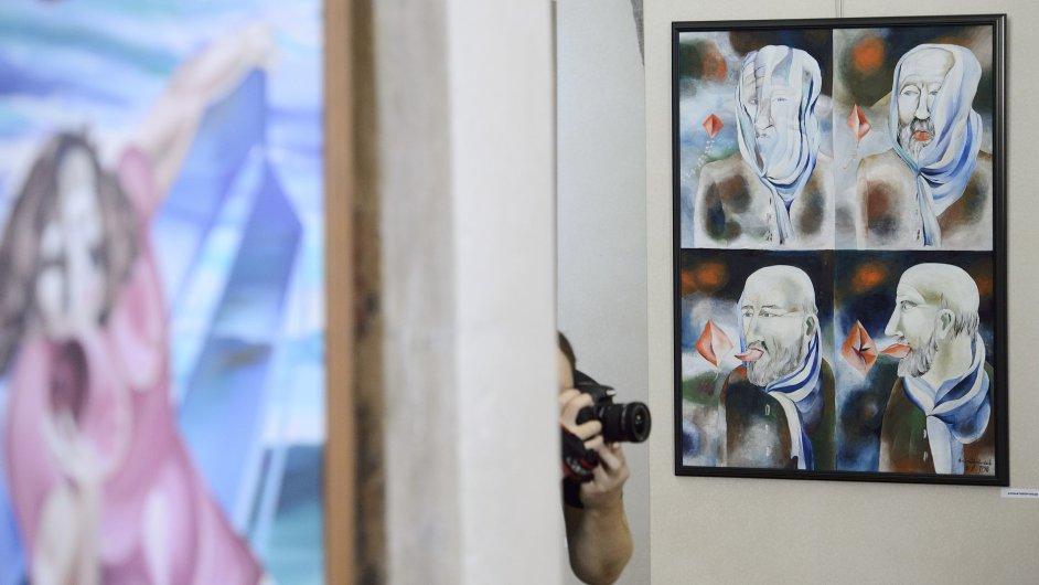 Snímky z výstavy Evy Švankmajerové na Staroměstské radnici v Praze