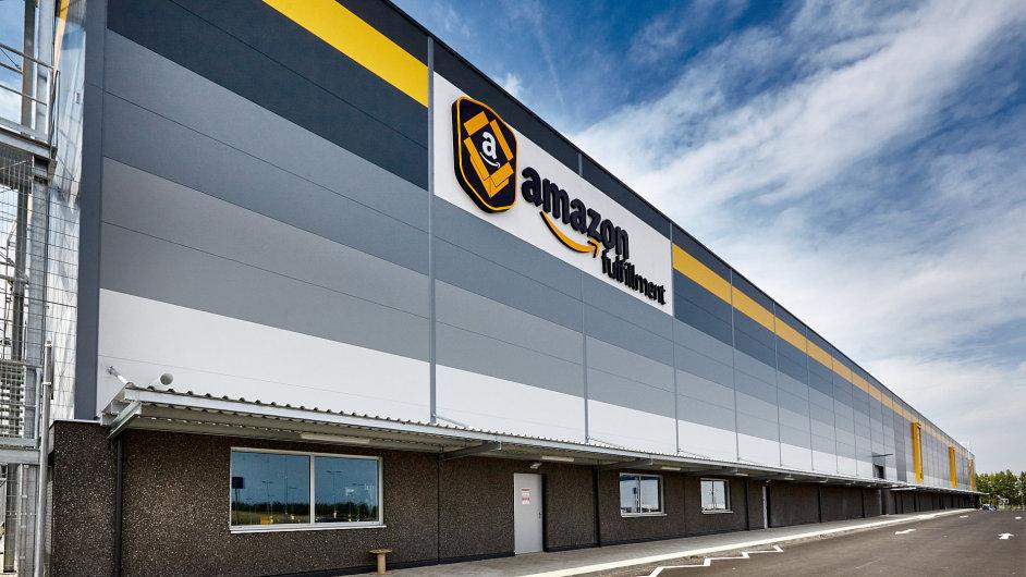 Distribuční centrum má zahájit provoz v září