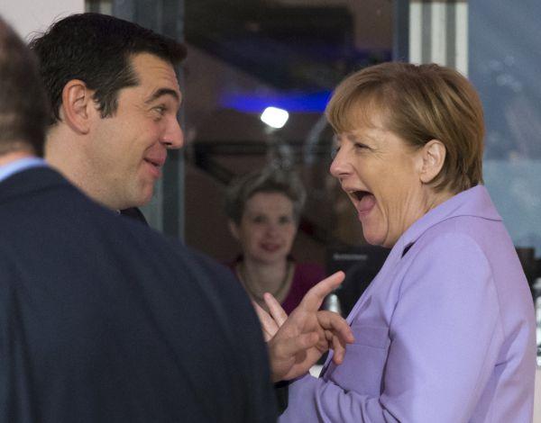 Merkelová a Tsipras na maltské konferenci.